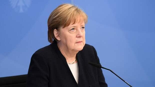 Ангела Меркель выразила соболезнования в связи с трагедией в Казани