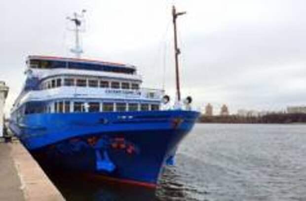 Теплоход «Лунная соната» закроет в Нижнем Новгороде Всероссийскую круизную навигацию 2019