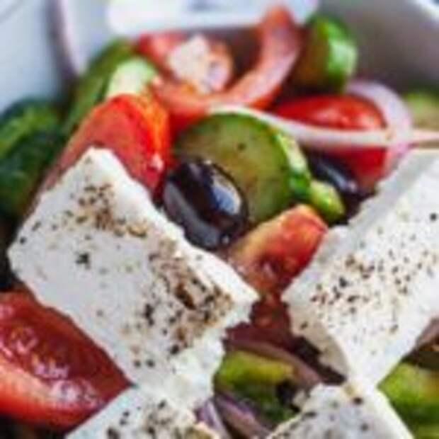 Простой хорьятики салата – греческий салат