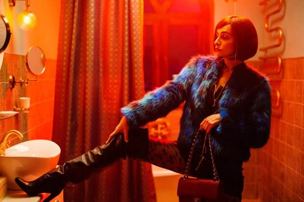 Сергей Светлаков, Юрий Стоянов и Екатерина Варнава находят любовь в трейлере комедии «Love»