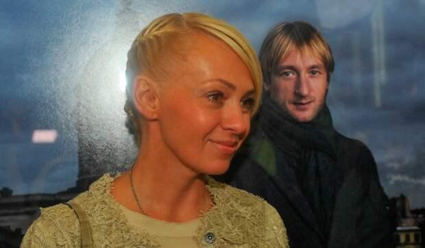 «Нельзя было поприличнее одеть?»: няня сына Рудковской получила по шапке