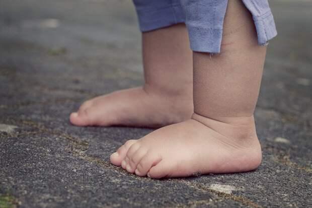 Полная опора на примере стопы ребёнка
