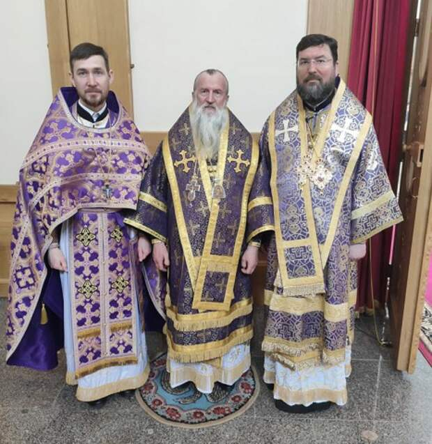 Епископ Серафим поздравил с 70-летием архиепископа Могилевского и Мстиславского Софрония.