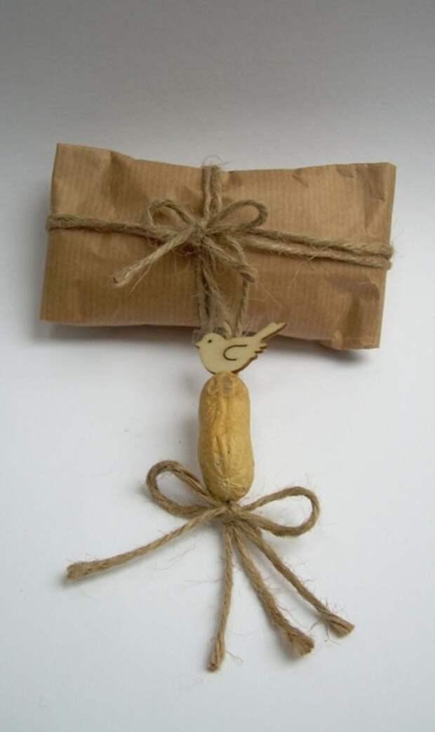 Фисташки и грецкие орешки для упаковки новогодних подарков (5) (416x700, 118Kb)