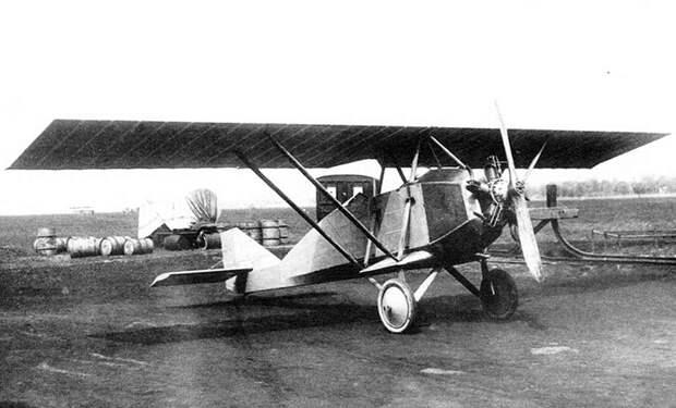 Walter NZ-60 a letadlo PWS 3B.jpg