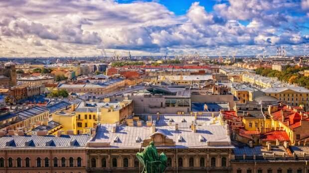 Ливни и грозы ожидают петербуржцев во вторник