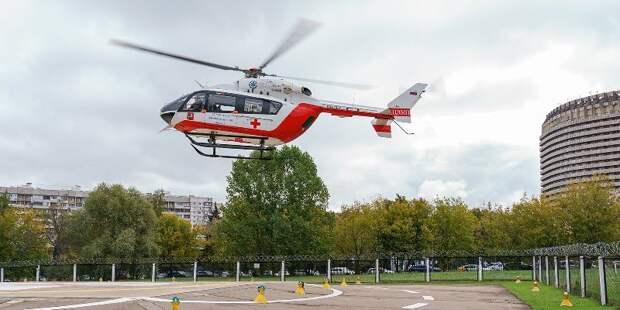 «Приземляемся и на стадионы, и на улицы, и во дворах»: Екатерина Орешникова — о профессии пилота санитарной авиации