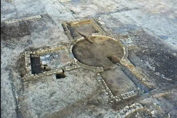 «Фантастический и необъяснимый» древний комплекс найден в Англии