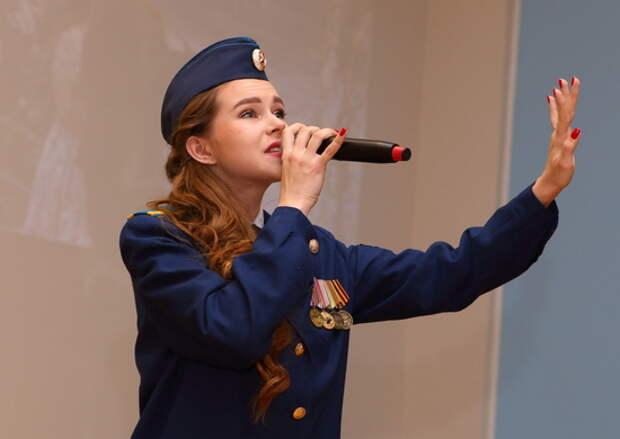 Творческая группа ЦОК ВКС представила литературно-музыкальную композицию «Дорогами Победы!» для военнослужащих ВКС