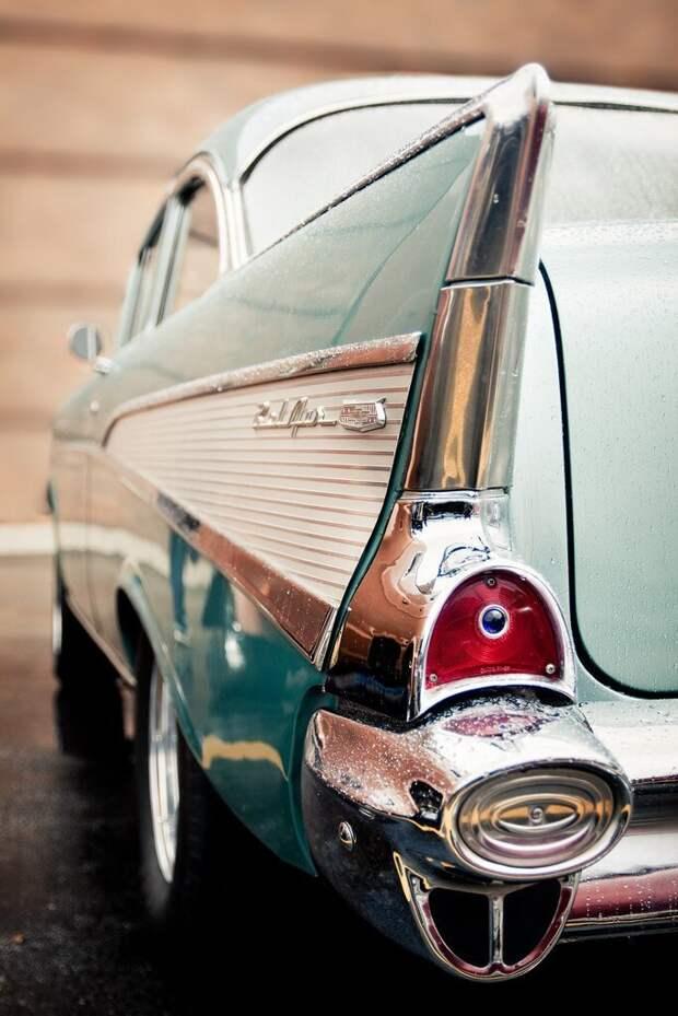 1957 Chevy Bel Air автомир, интересное, красота, плавниковый стиль, факты