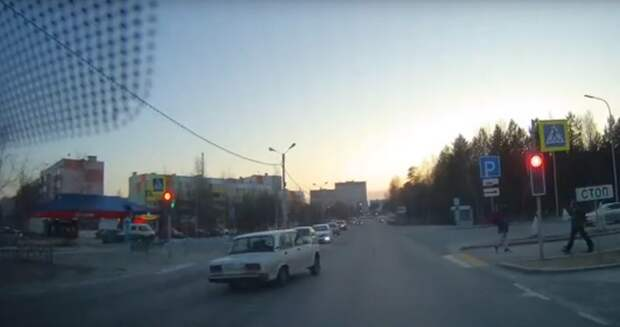 Житель Ноябрьска получит вознаграждение за сообщение о пьяном лихаче, проехавшем на красный