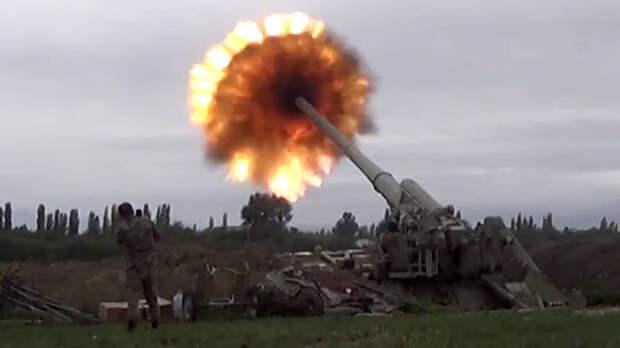 В понедельник азербайджанские войска пытались развивать наступление с массированным применением бронетехники, артиллерии и прочих родов войск