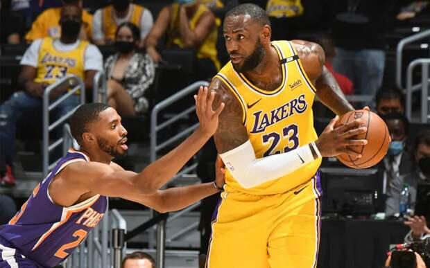 Впервые за 10 лет финал НБА пройдет без Джеймса или Карри