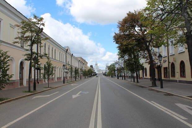 Спокойная улица в центре Казани