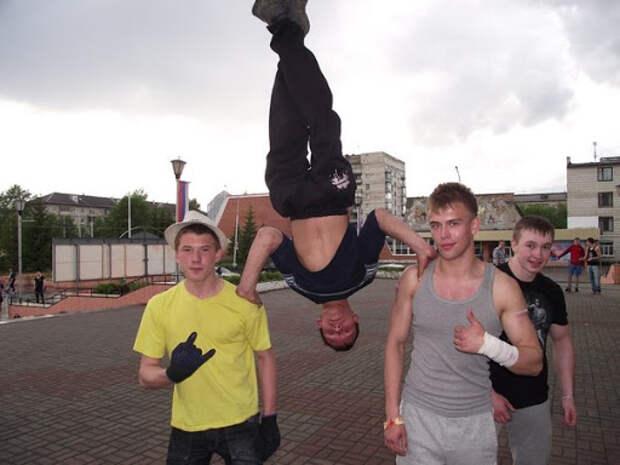 Супермен из Сибири игнорирует гравитацию, вызывая недоверие иностранцев
