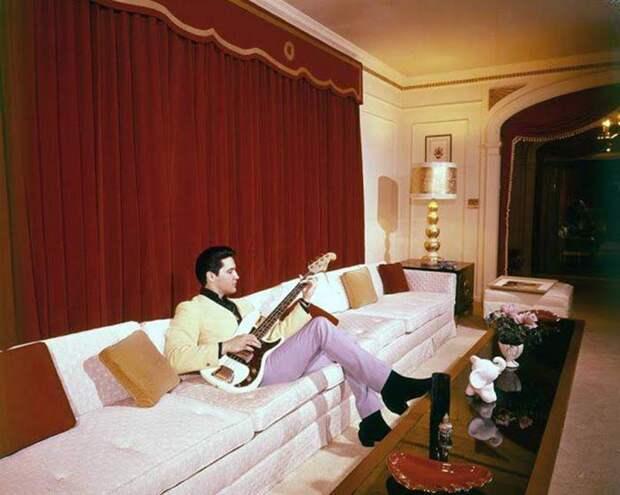 Самые стойкие фанаты Элвиса убеждены: их король жив!