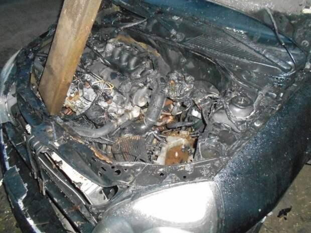 В Бобруйске на Береговой горел автомобиль.