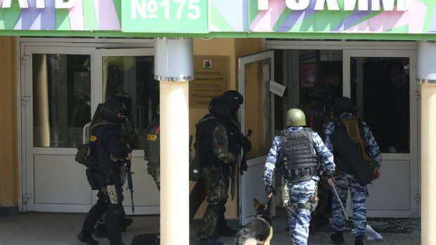 12 мая объявили днем траура по жертвам нападения на школу в Татарстане