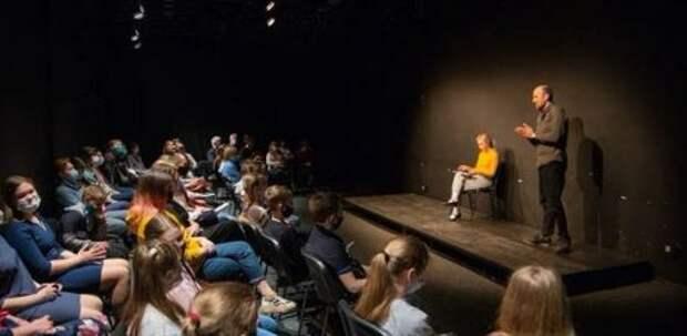 «Поколение 21»: молодая драматургия для молодых — лаборатория в Великих Луках