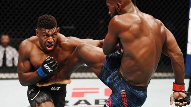 Американец Бакли оформил необычный нокаут в UFC. Он ударил соперника ногой, когда тот поймал его пятку