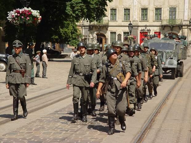Немецкий полковник осудил Прибалтику и Украину за героизацию фашизма