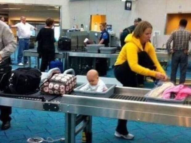 10. Почему бы и нет, собственно аэропорт, багаж, путешественники, фото, юмор