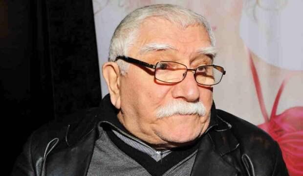 «Все мы временные»: Опоздавший на похороны сын Джигарханяна явился на кладбище