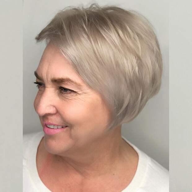 Прямой боб для женщин старше 50 лет 2021: сногсшибательные идеи