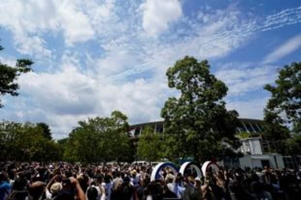 Японские летчики начертили в небе над Токио олимпийские кольца