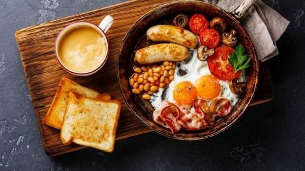 Диетолог объяснил, какое время считается лучшим для завтрака