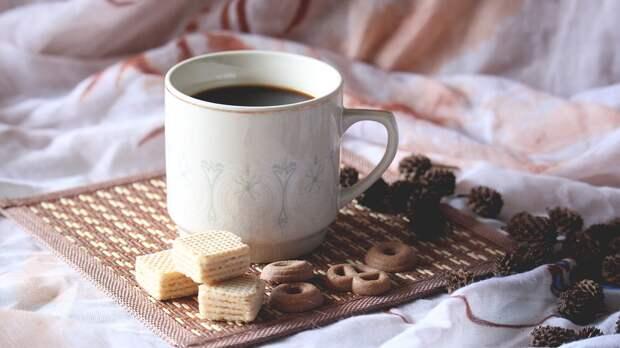 Эксперт назвала самый бодрящий летний вид кофе