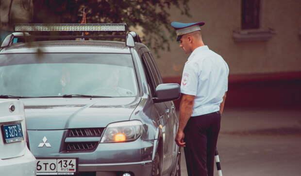 Тюменских водителей просят быть внимательнее надорогах впериод жары