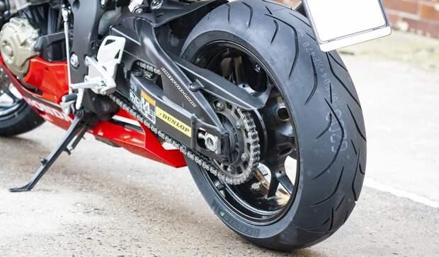 ВХМАО мотоциклист без прав изащитного шлема насмерть разбился натрассе