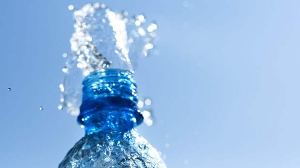 Врач предупредил об опасности чрезмерного употребления воды