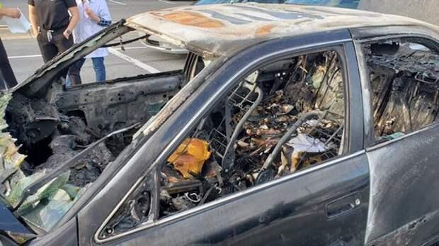 Взрывная смесь: Машина загорелась, когда водитель-курильщик воспользовался антисептиком