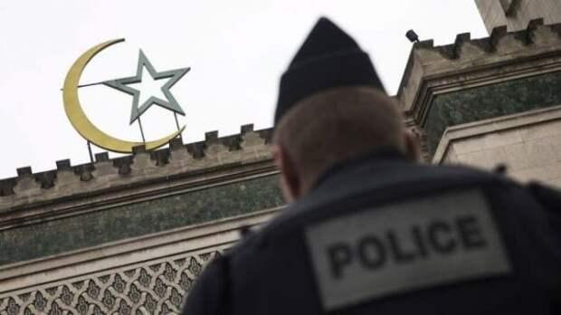 Военные призвали власти Франции кдействиям против исламистов