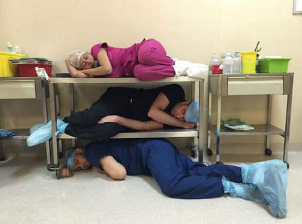 Фото из жизни врачей.   Фото: mix.tn.kz.