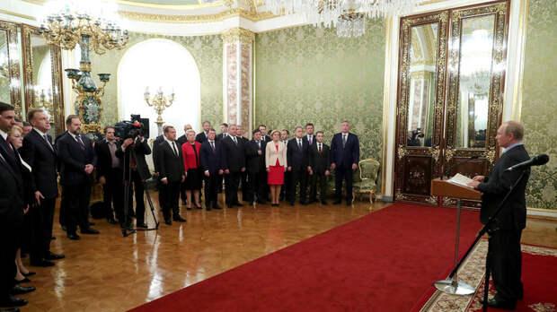 «Вектор развития задан правильно»: Путин поблагодарил правительство за работу и назвал ключевую задачу на будущее