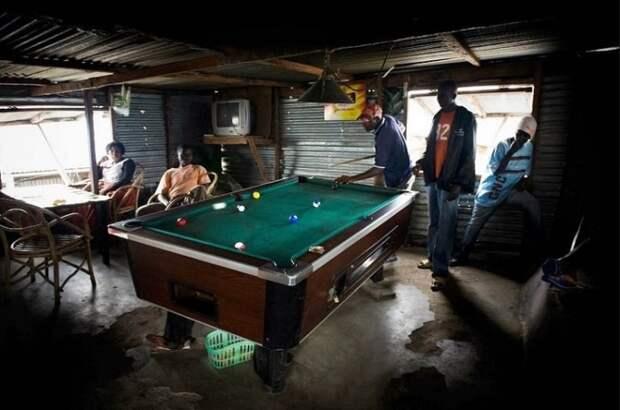 На острове открыты 13 баров и развлекательных заведений