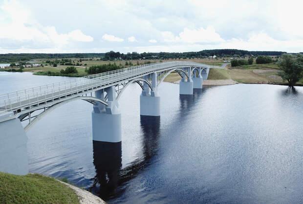 145-метровый пешеходный мост открыли в Тверской области