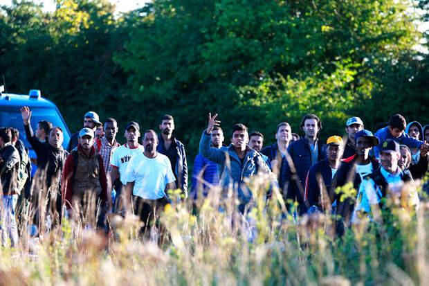 Власти Дании решили высылать беженцев за пределы Европы