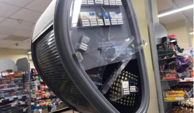 Стала известна причина, из-за которой мужчина топором разгромил супермаркет в Мариуполе