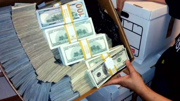 Эксперт: Крупные экспортеры вновь начали придерживать валюту