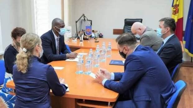 Центризбирком Молдавии— наличном контроле упосла США