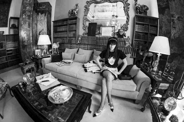Экскурсия по парижской квартире Габриэль Шанель в тизере круизного показа Chanel