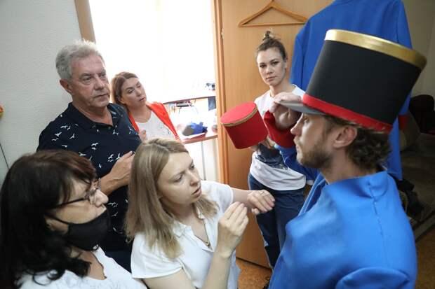 Новые костюмы сошьют для музыкантов Нижегородского губернского оркестра специально к800-летию города
