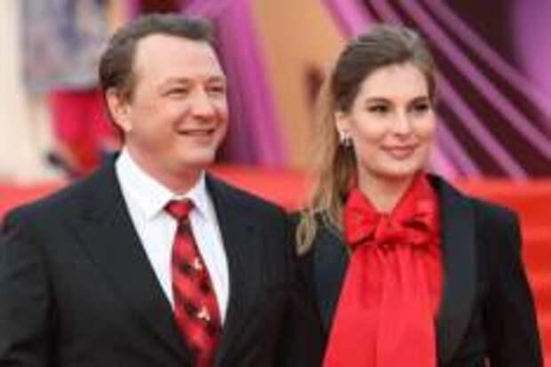 Почему жена Марата Башарова подаёт на развод?