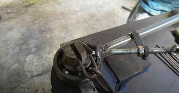 Приспособление для изготовления стальной цепи