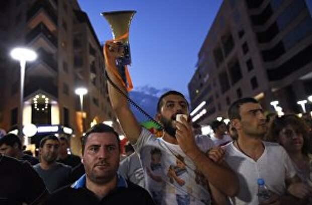 Пока в Турции и Армении мятеж