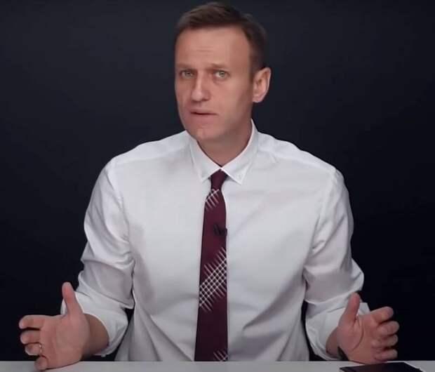 «Живой он им не нужен»: кто «умрет» Навального и с какой целью